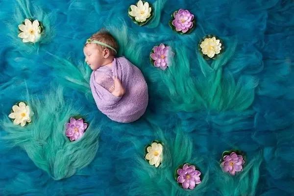 刚出生的新生儿如何安度第一个春节?新手父母要牢记几个细节