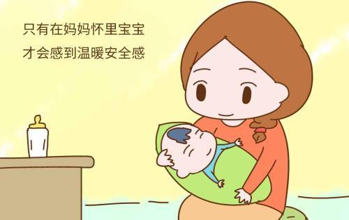 常见的2种伤害宝宝脊柱的带娃习惯,90%以上婆婆易中招