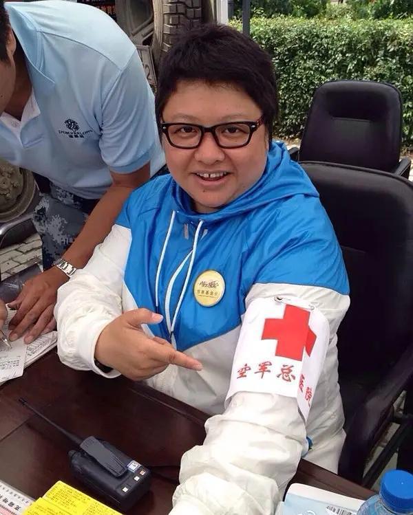 疫情面前,韩红又晒明星捐款名单,这一次又引起了网友的不满