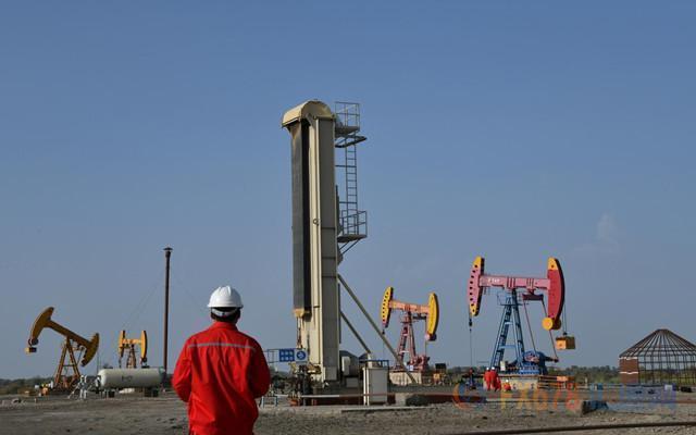 布伦特原油创逾三个月新低,但跌幅较前两日明显收窄;有机构称,勿对需求前景过度恐慌:布伦特原油好吗