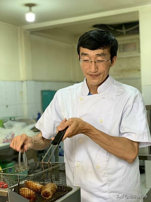 越南经济学硕士放弃高薪工作,自己开餐馆卖米粉,希望能做大做强