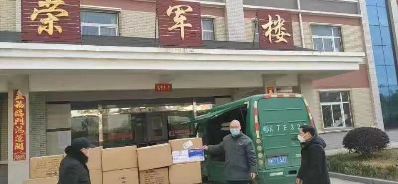 黄冈、孝感、荆州、仙桃、荆门……小米救灾物资也第一时间送到了湖北这些地区