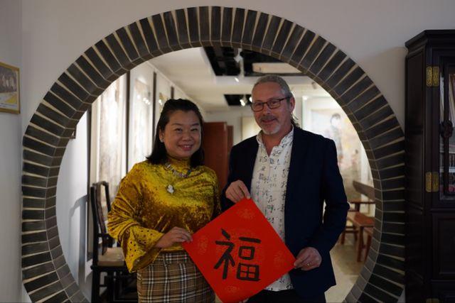 英国人John在中国:恋上中国女孩,每天早上6个饺子,爱叉烧