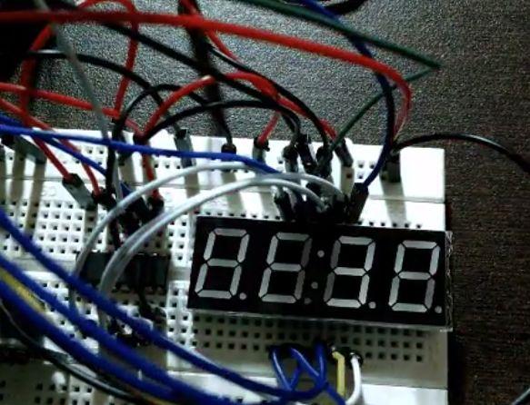 7段数码管DIY,时钟、温度、湿度都能显示,太齐全了!
