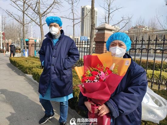 <b>山东首例新冠肺炎患者在青治愈出院 医生揭秘治疗方案</b>