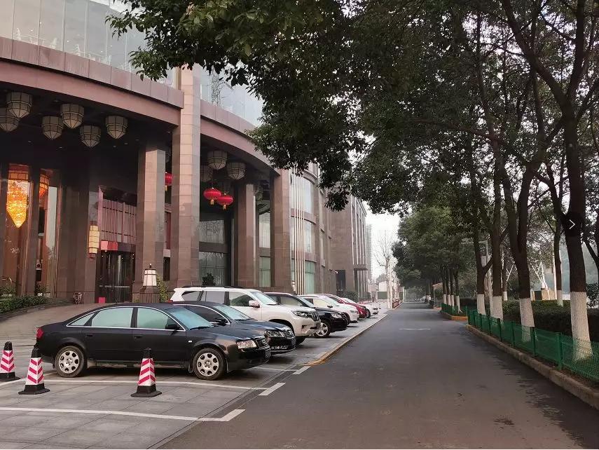 离开武汉_被清空的武汉:一座没有陌生人的城市
