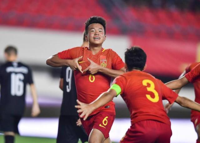 中国足球再现超级天才,丝毫不惧欧洲豪门,未来有望比肩C罗