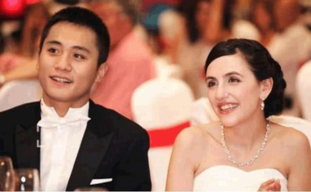 撒贝宁妻子李白婚后变化真大 作者: 来源:金牌娱乐