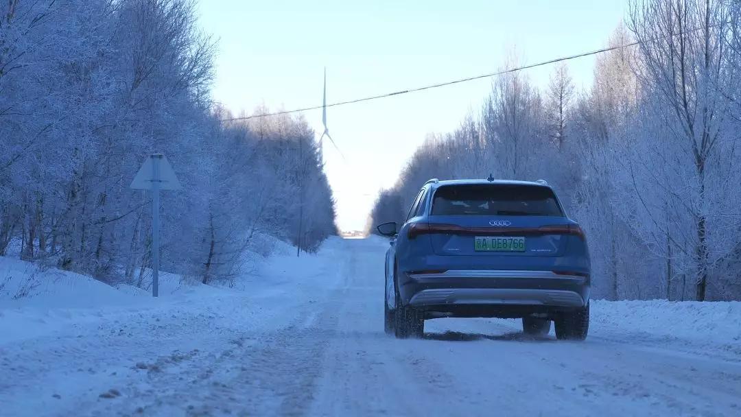 在-20℃雪山做极寒测试,奥迪e-tron能挺过去吗?Model X和它谁跑得更远?