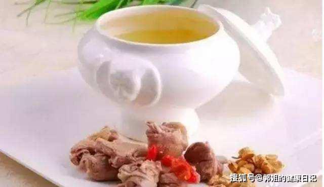 黄芪是宝常喝身体好,经常泡水喝,会有这4个好处