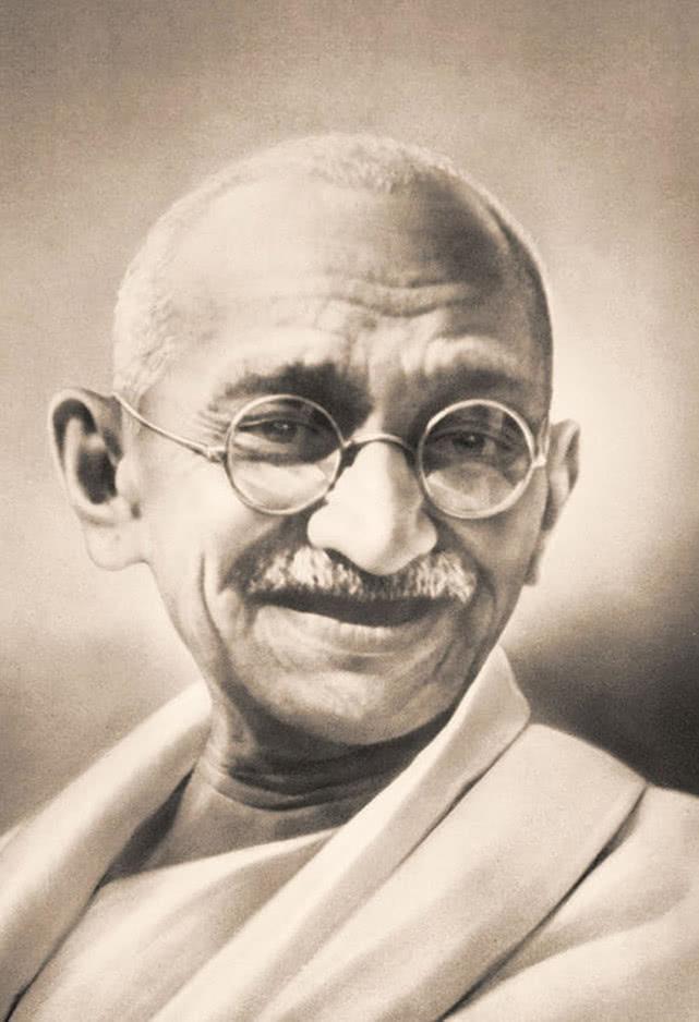 一直不明白,为何当年甘地绝食一下,英国就同意印度独立
