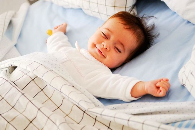 不抱不摇,如何让孩子能自然入睡?这几招妈妈要学会