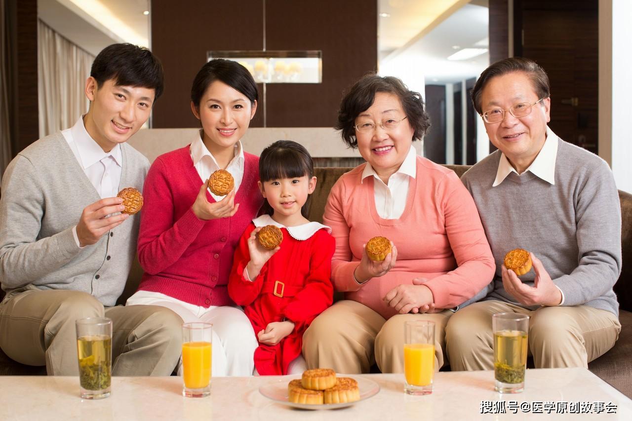 癌症是吃出来的,医生忠告,一日三餐坚持四不要,癌细胞才会更远