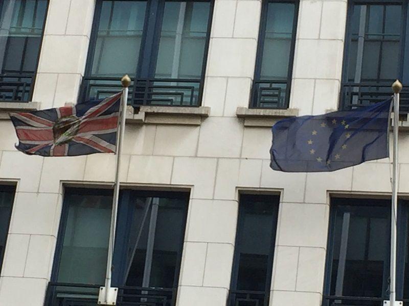 歐盟降下英國國旗 完成歷史性的脫歐程序