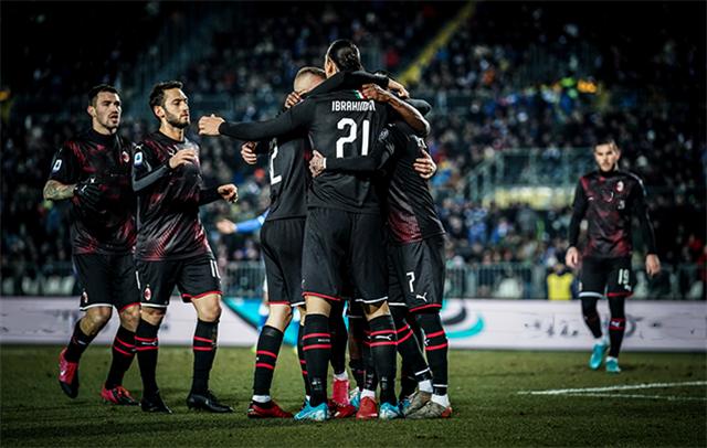 原创            AC米兰对阵维罗纳,主帅皮奥利透漏,皮亚特克位置将被伊布取代