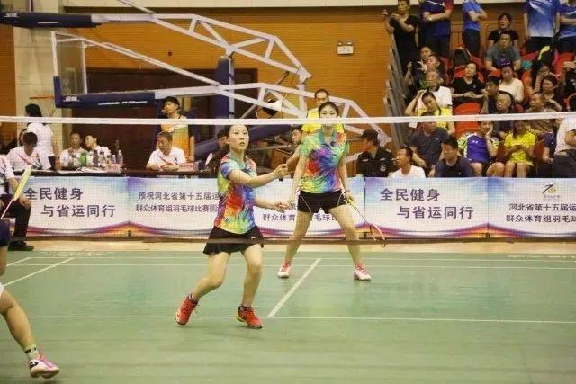 各年龄段打羽毛球的好处在此,你还有什么理由拒绝羽毛球呢?