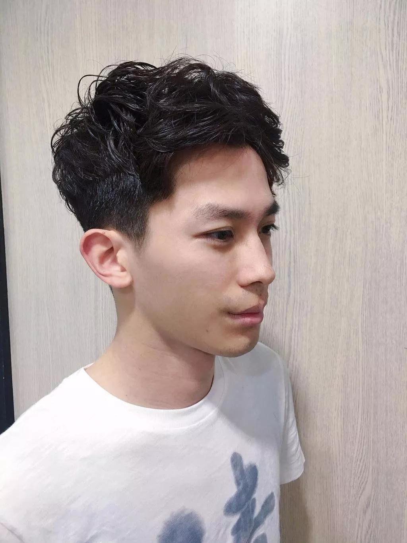 男生v字发型怎么剪?