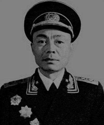 他是四野三纵的政委,曾因升迁速度太快不得不请示,后授衔中将
