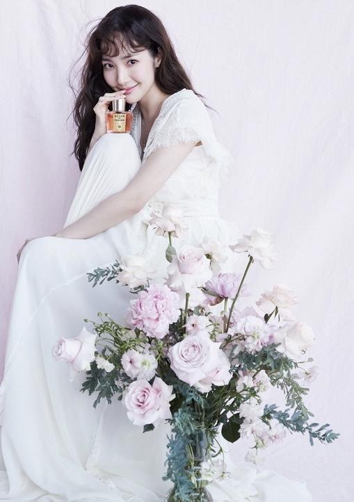 """""""南韩神颜""""朴敏英最新杂志曝光,颜值逆天,不愧是李敏镐前女友"""