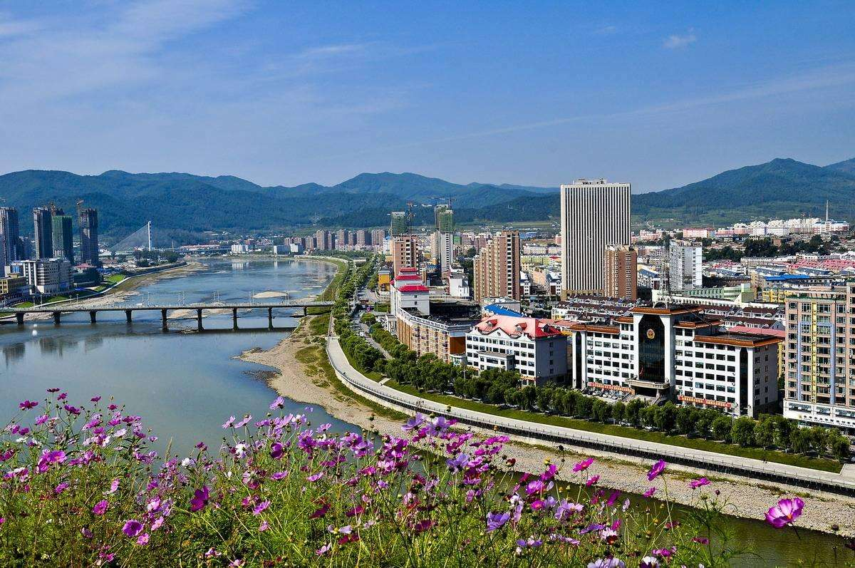 吉林这个市,被56亿重金打造还将迎来高铁高速建设,正蝶变崛起
