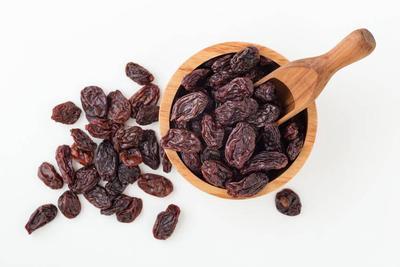 平时吃点葡萄干,4个好处或逐渐收获,竟可美容补血