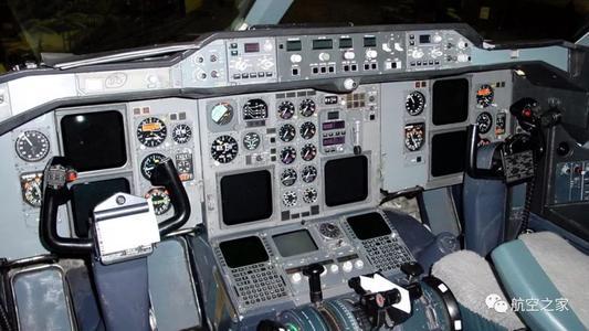 家长不负责任有多可怕?作为机长却让孩子驾驶飞机,最终酿成悲剧