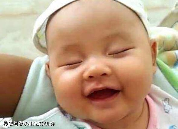 3岁宝宝睡觉哈哈大笑,妈妈以为在做梦,医生说:是病
