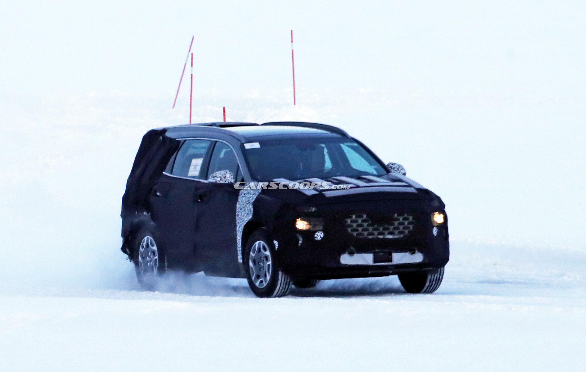 定位在中型SUV,新现代盛大间谍照片曝光