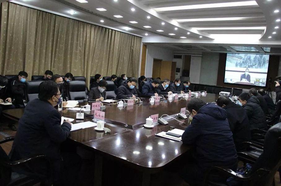 【时政新闻】赵居安:一手抓疫情防控一手抓复工复产两手抓两手都要硬