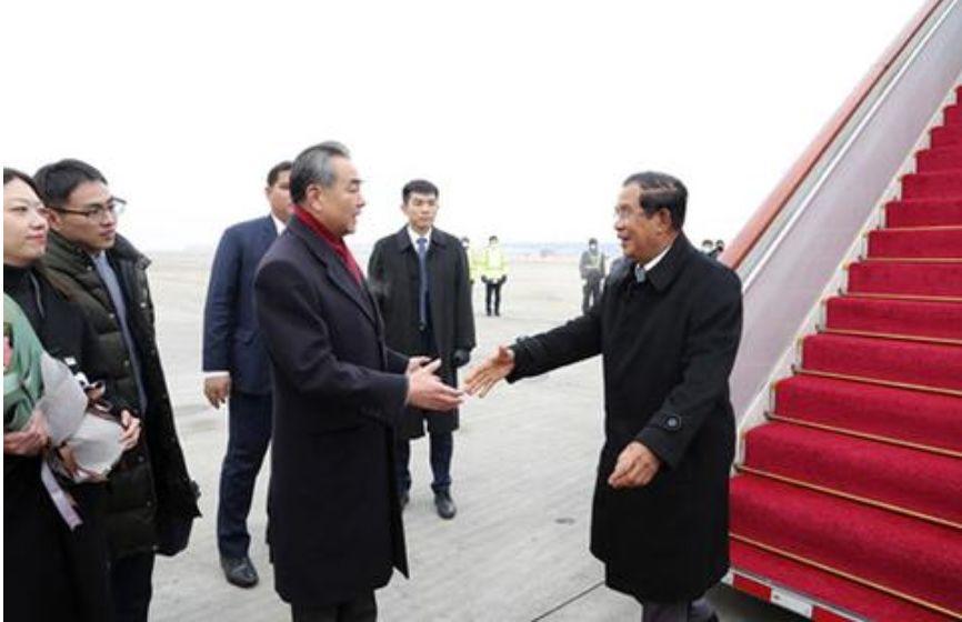 非常时刻,柬埔寨首相访华释放重要信号