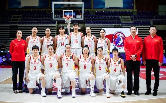 中国篮球喜讯!女篮苦战赢英国,比男篮强,将角逐一张奥运会门票