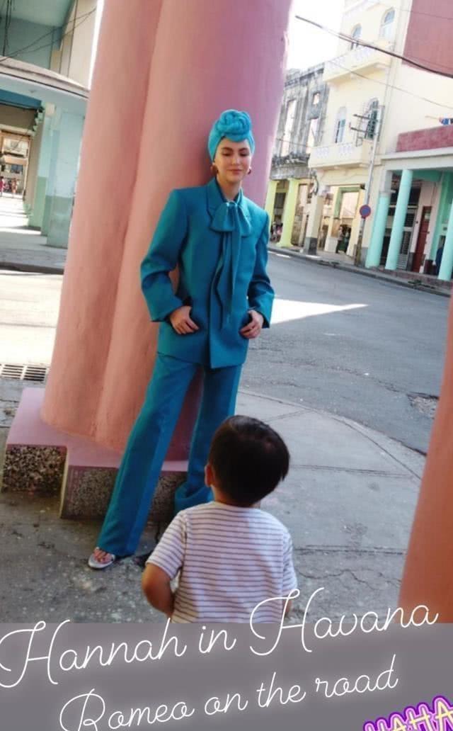 周杰伦陪同昆凌外国拍摄,3岁儿子带墨镜太像爹!帅气外公也出镜 作者: 来源:猫眼娱乐V