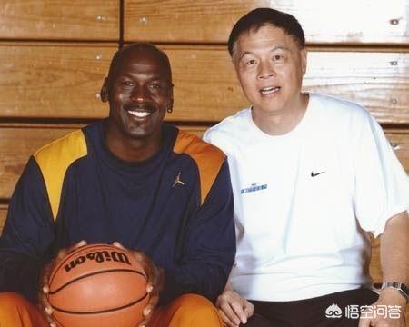 张卫平见过乔丹打球,为何钟爱科比,国内职业球员的篮球解说员中也偏爱科比吗