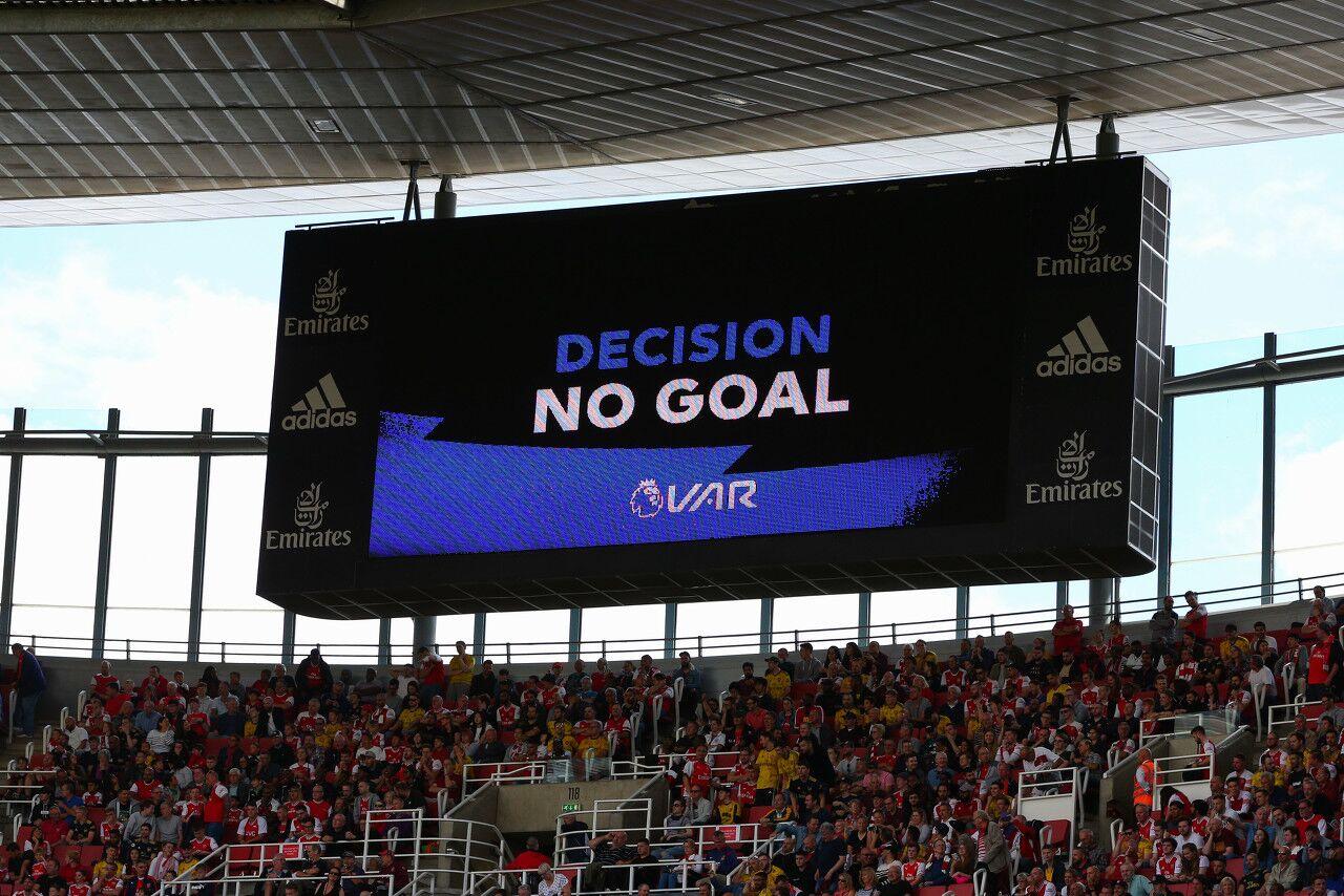 多家英超球队提议改进VAR 越位判定留10厘米余地