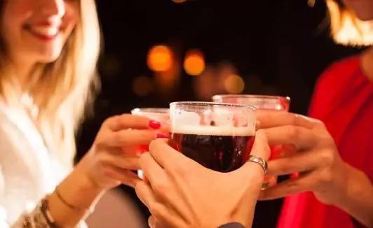 原创经常喝酒的人,身体出现6种变化,若占了一个,就要立刻戒酒
