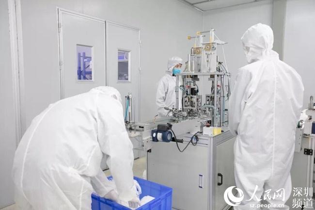 富士康在深圳引入口罩生产线 预计日产口罩200万个