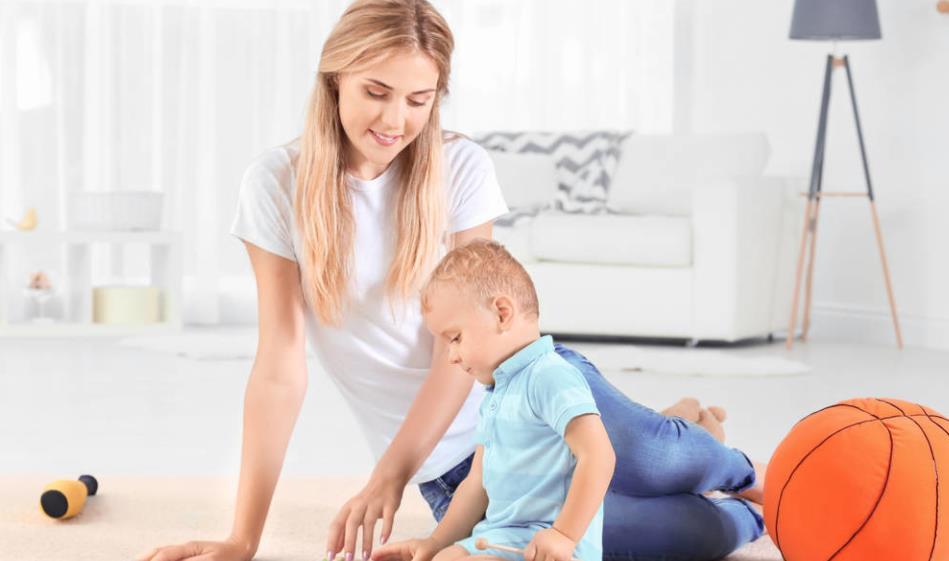 想要培养孩子的专注力,最好是从婴幼儿开始,从小游戏开始
