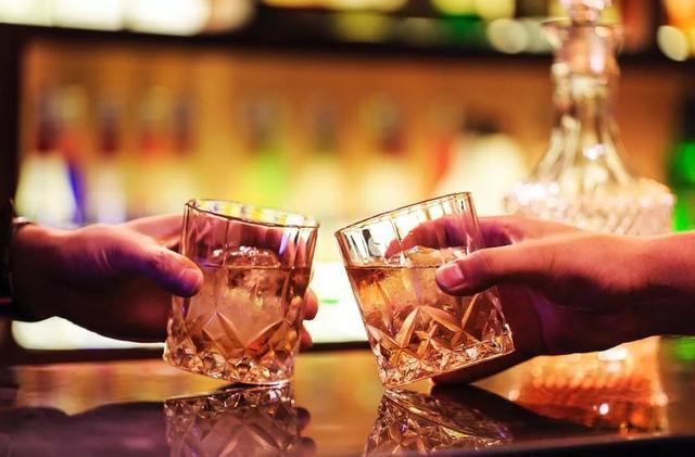 51万人的最新研究:适量饮酒有益健康?误解!