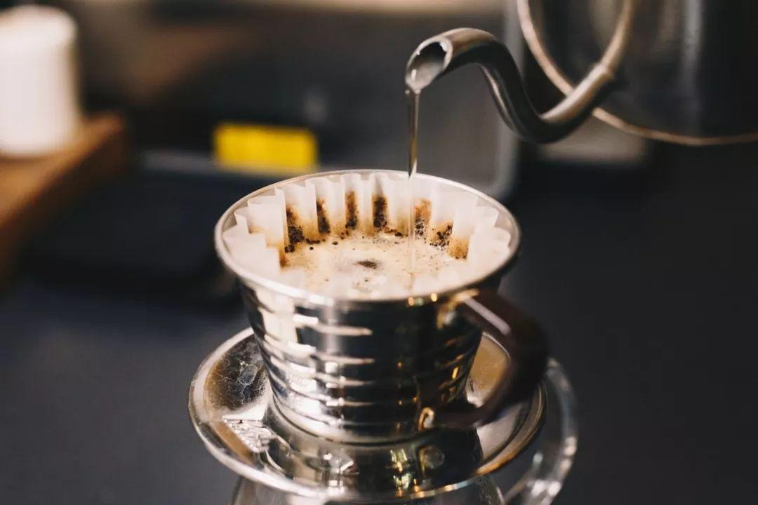 就是了解手冲咖啡的三个阶段,不管你是在家冲单人份咖啡