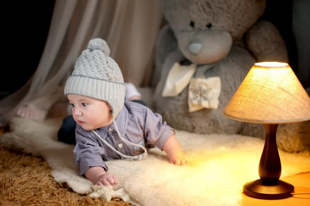 宝宝几个月可以关灯睡觉?小夜灯到底影不影响睡眠?