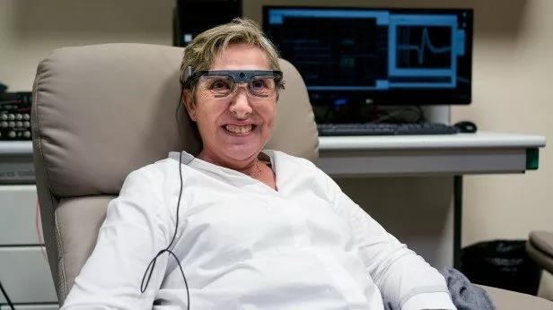 脑机接口迎来新突破?失明患者在大脑中植入电极后重见光明