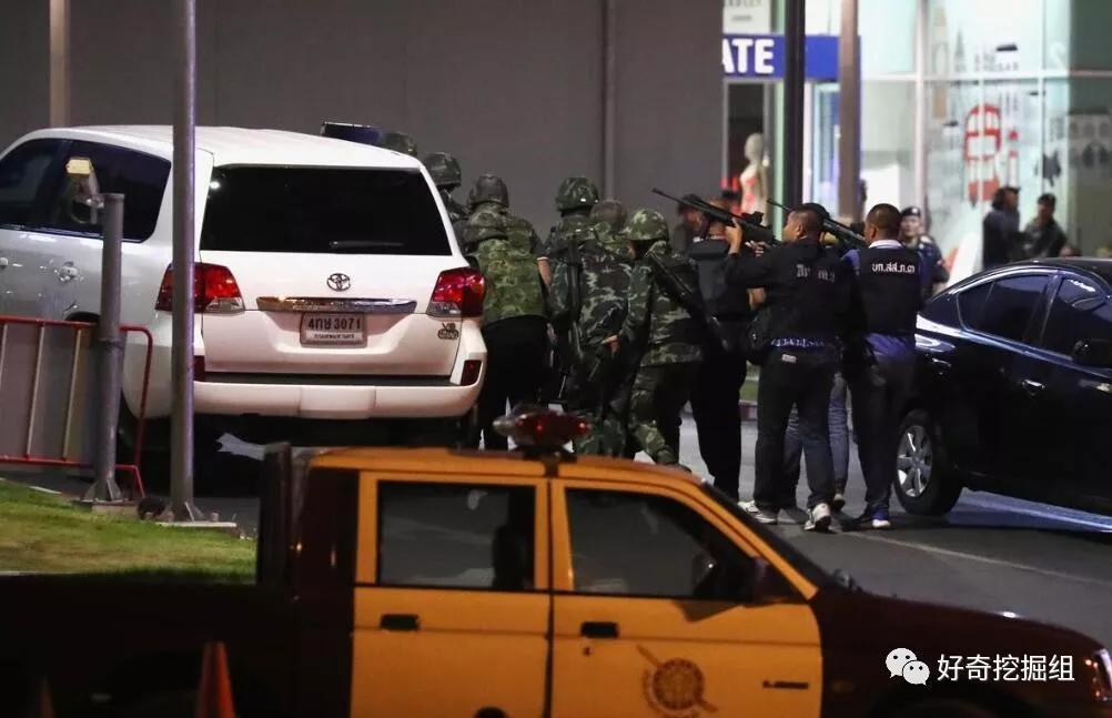 """泰国无差别杀人事件:一边开枪扫射,一边文字直播感叹""""开枪好累"""""""