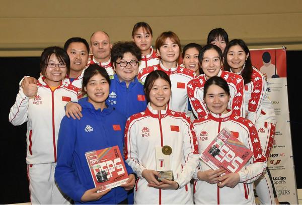 中国女重收获世界杯团体银牌
