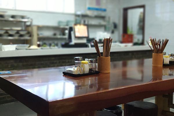 唉,我是个中小微餐饮老板:110家店暂停营业 每月200万成本 但不悲观丧气