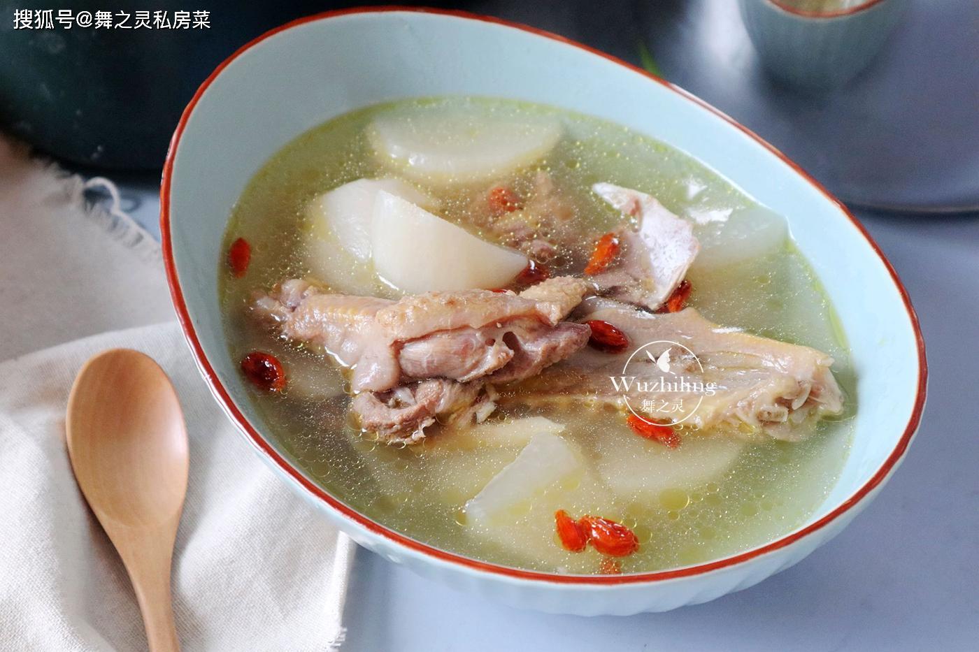 隔离期间,儿子迷上了这碗汤,高压锅20分钟就上桌,强壮又长个