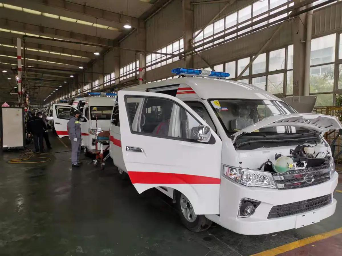 江蘇省、市工信部門督導蘇州金龍負壓救護車生產