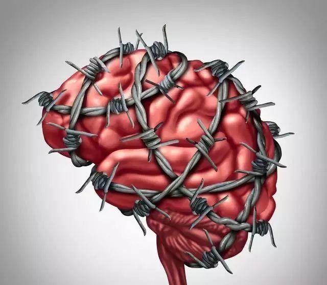 """脑梗不是突然发生的,身体出现""""5多"""",最好去检查一下"""
