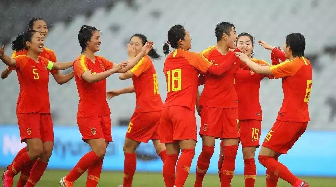 女篮女排晋级女足小组提前出线,让体育激发战疫勇气