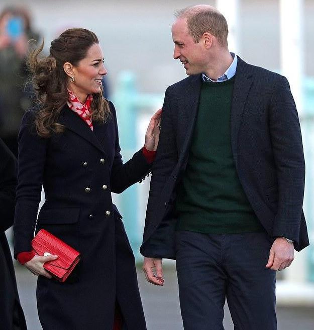 原创 哈里梅根离开后,威廉凯特夫妇频繁秀恩爱,王室接班人呼声高涨
