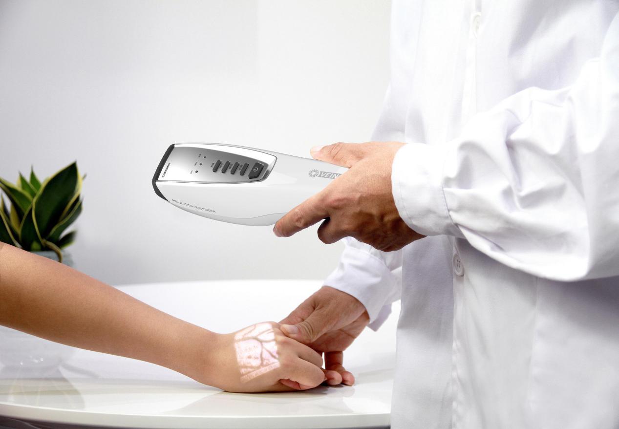 硬科技助力抗疫丨中科创星及其相关企业捐赠47台红外血管成像仪